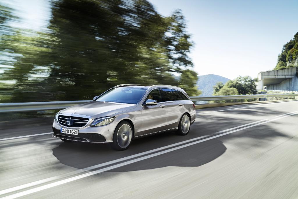 Weltpremiere Der Neuen C Klasse Limousine Und Des T Modells