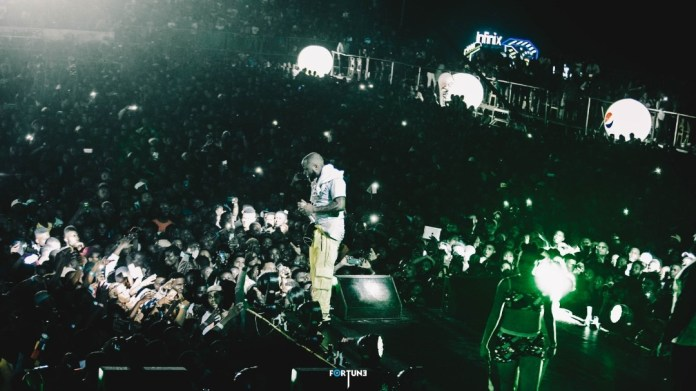 Infinix & Davido Live in Concert: Davido live in concert was turnt to the max and the cheers from the Infinix intelligent X-Family sent Eko Atlantic into a frenzy - Brand Spur