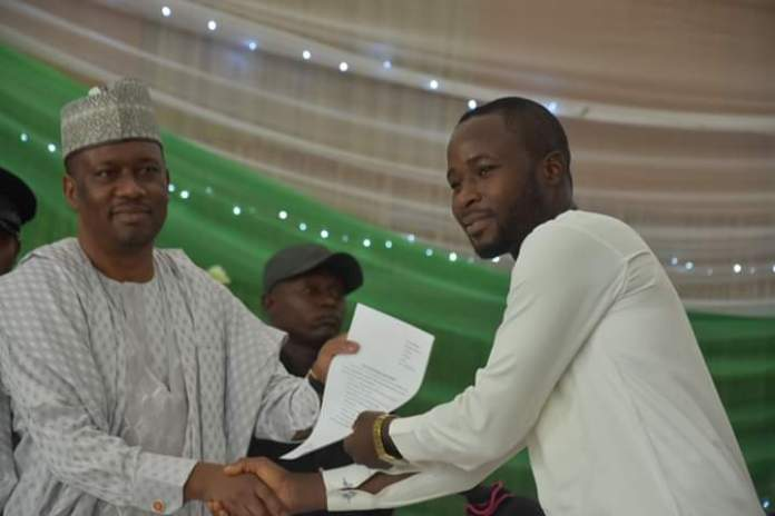 Taraba Government Issues Employment Letters to Over 300 Youths (Photos) - Brand Spur