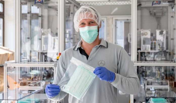 Flexible and proactive in times of COVID-19: Mercedes-Benz starts own production of mouth and nose masks at the Sindelfingen plant - Brand Spur