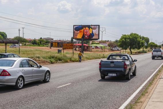 JCDecaux Expanding Roadside Digital Network Brandspur nigeria