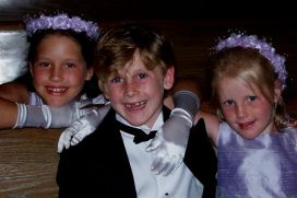 kinder at the wedding