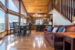 Branson-Vacation-Houses-Cedar-Cove-05-1076