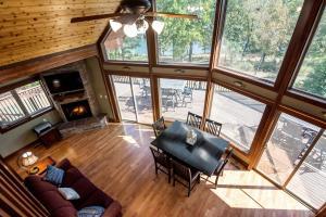 Branson-Vacation-Houses-Cedar-Cove-05-1107