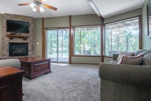 Branson-Vacation-Houses-Cedar-Cove-09-1045