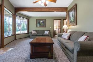 Branson-Vacation-Houses-Cedar-Cove-09-1053