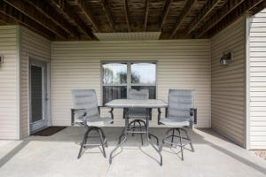 Majestic View vacation rental Branson and Kimberling City, Missouri - patio