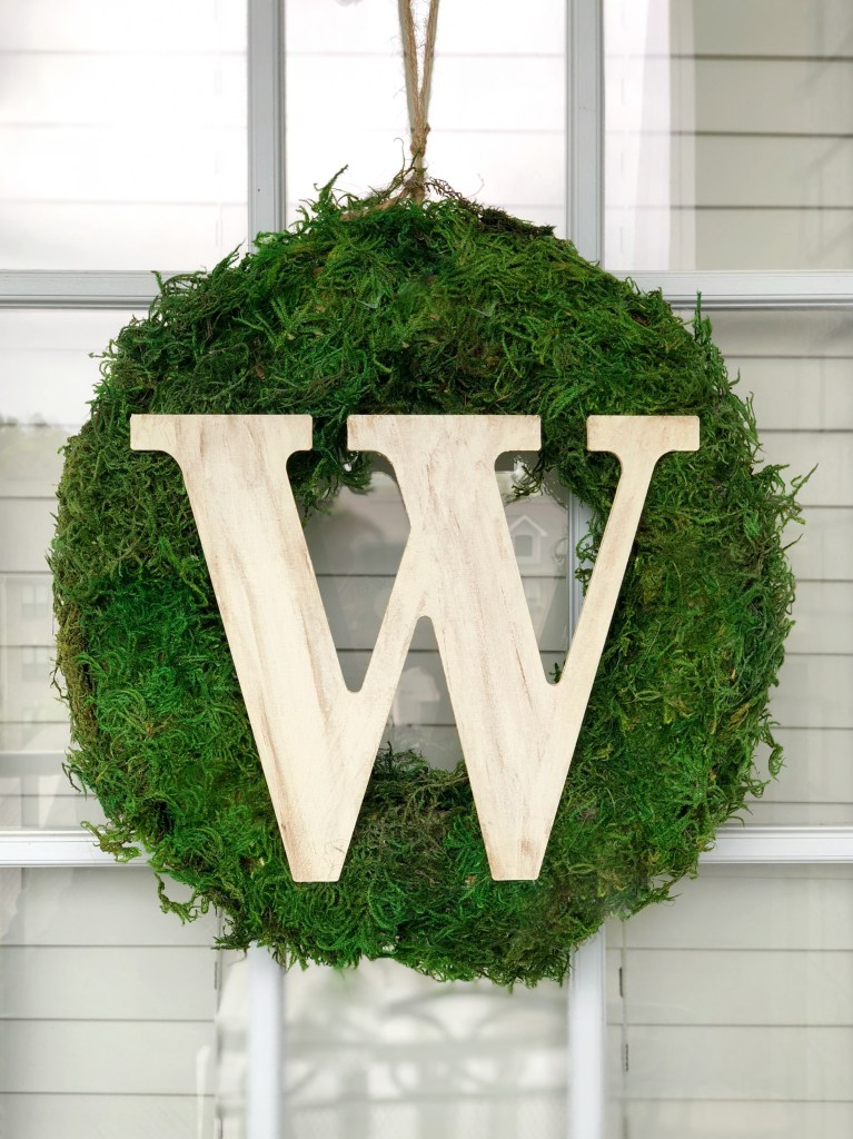 IMG 5938 Facetune 09 04 2018 11 59 15 767x1024 - Easy DIY Moss Wreath