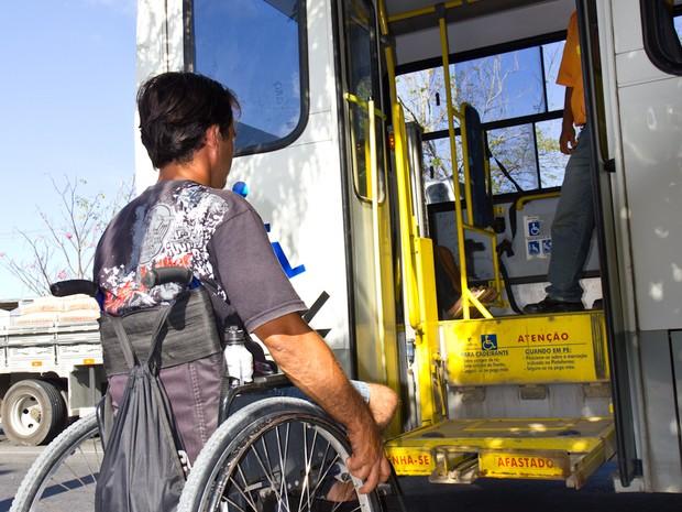 Defesa da Pessoa com deficiência organiza  dados para cobrar transporte com qualidade