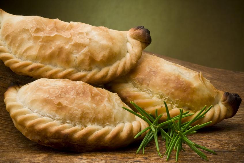 empanadas argentinas en Brasas y Sabores