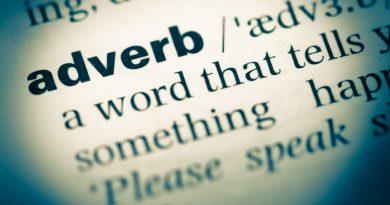 Palavra adverb em página de um dicionário.