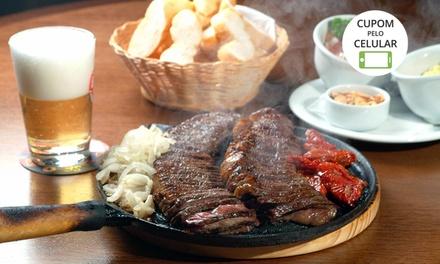 Villa Maestria – Salgado Filho: picanha na chapa ou filé de frango à parmegiana e sobremesa para 2 ou 4 pessoas