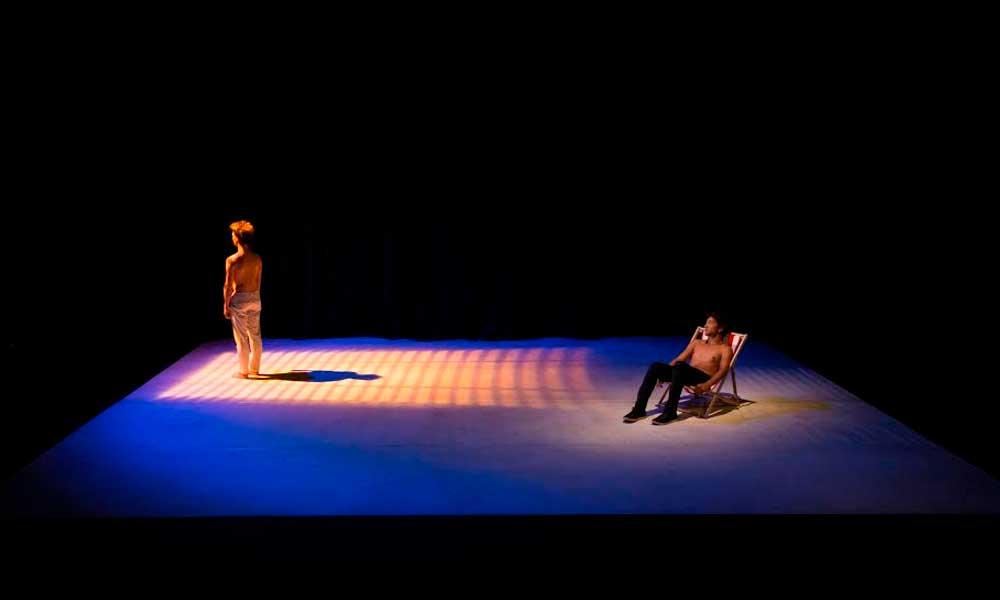 Espetáculo Naufragé(s). Foto: Diego Bressani