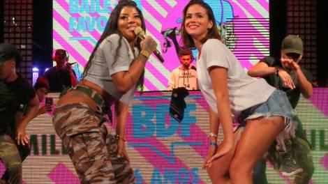 Baile da Favorita celebra 6 anos com celebridades quebrando até o chão