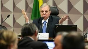 Cúpula do PSDB defende desembarque do governo Temer