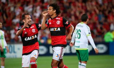 Flamengo goleia a Chapecoense e se classifica às quartas da Sul-Americana