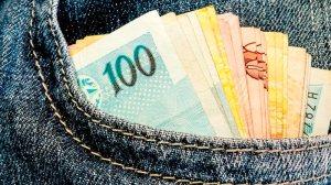 Aposentados e pensionistas começam a receber segunda parcela do 13º salário