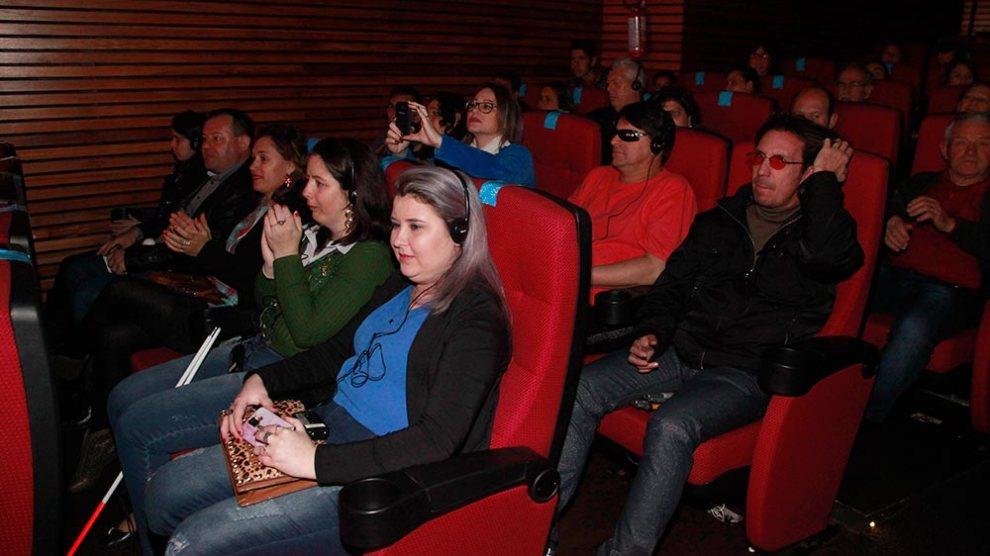 Cinema acessível para cegos finaliza o projeto Legado do Homem e da Cidade