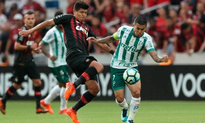 Atlético-PR atropela o Palmeiras no primeiro tempo e vence em Curitiba