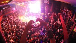 Show de Lucas Lucco marcou a concorridíssima inauguração do Shed Western Bar