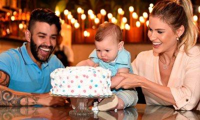 Gusttavo Lima e Andressa Suita comemoram segundo bebê e Gabriel rouba cena destruindo bolo