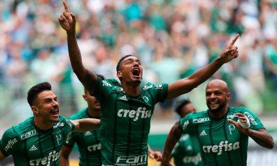 Palmeiras vence o Santos e segue como único 100% no Paulistão