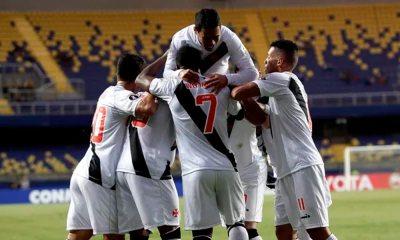 Vasco goleia no Chile e encaminha classificação