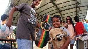 Jovens de São Sebastião promovem evento para inaugurar pista de skate