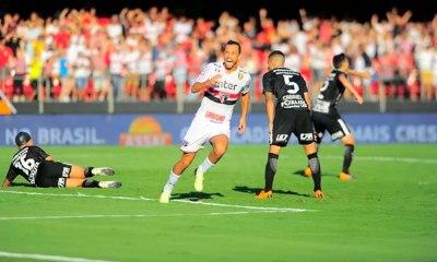 São Paulo vence o Timão e abre vantagem na semi
