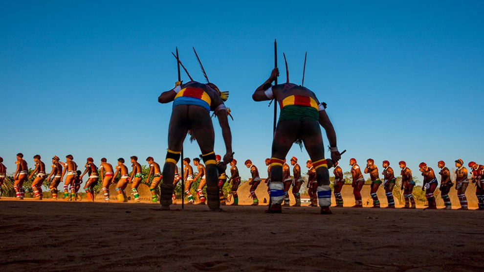 Fotógrafo Olivier Boëls expõe fotos da comunidade indígena Yawalapiti