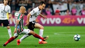 Corinthians estreia no Brasileirão com vitória sobre o Fluminense
