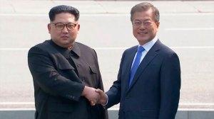 Líderes da Coreia do Sul e do Norte iniciam cúpula com promessa de paz
