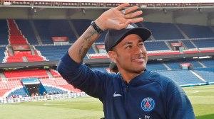 PSG mostra 1º treino com bola de Neymar em 3 meses