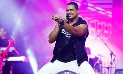 Harmonia do Samba e DJ Denis fizeram a festa de abertura do Carnaval do Parque