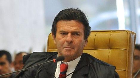 Ministro do STF, Luiz Fux, suspende as duas ações penais em que Bolsonaro é réu