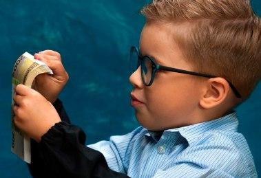 5 erros financeiros que não devemos cometer com os nossos filhos