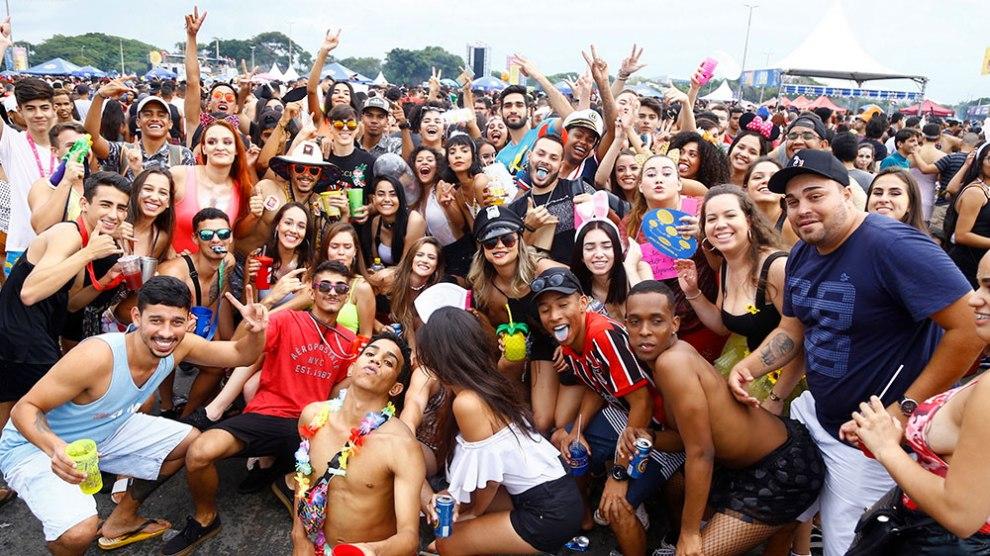 Babydoll de Nylon volta com tudo para o carnaval de Brasília