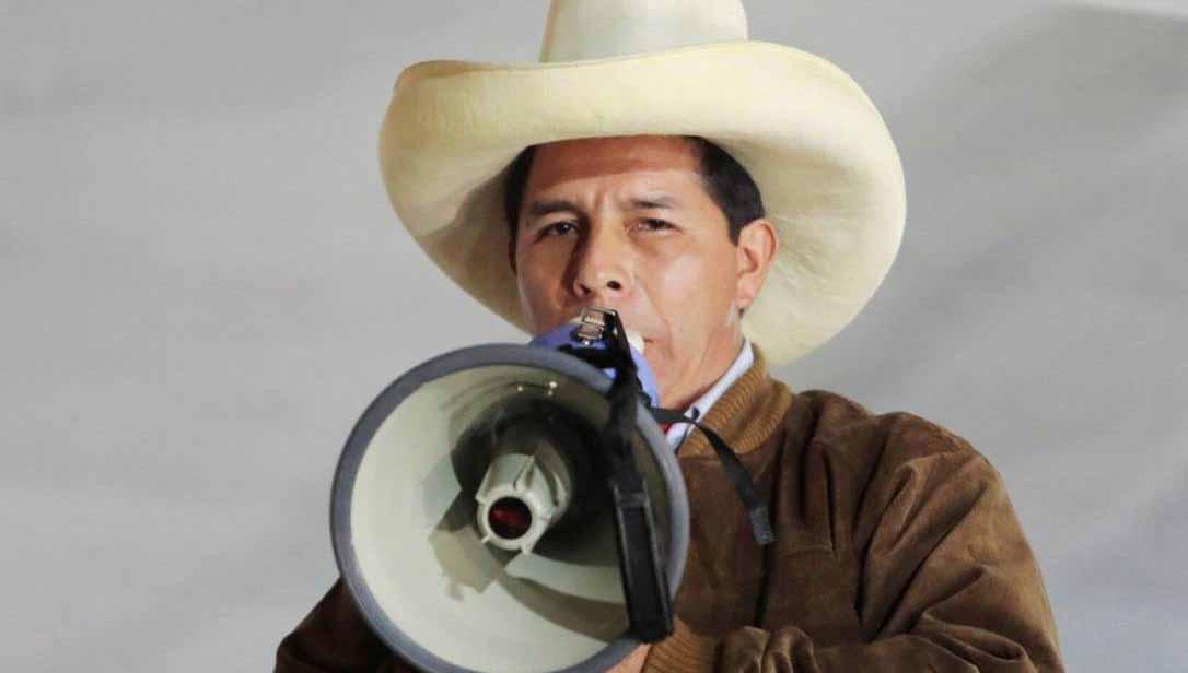 Com discurso contra neoliberalismo, Castillo é o novo presidente do Peru
