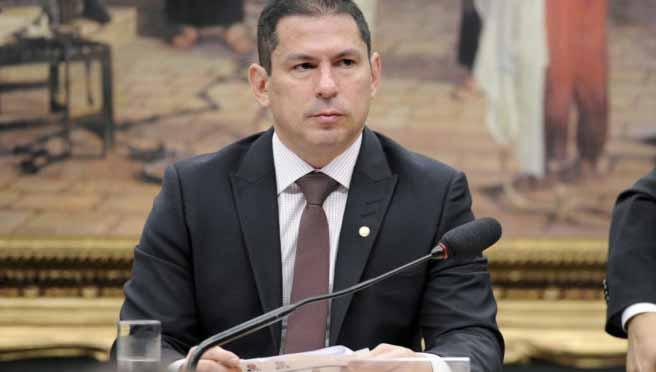 Urgente: Vice-presidente da Câmara pede cópia de pedidos de impeachment