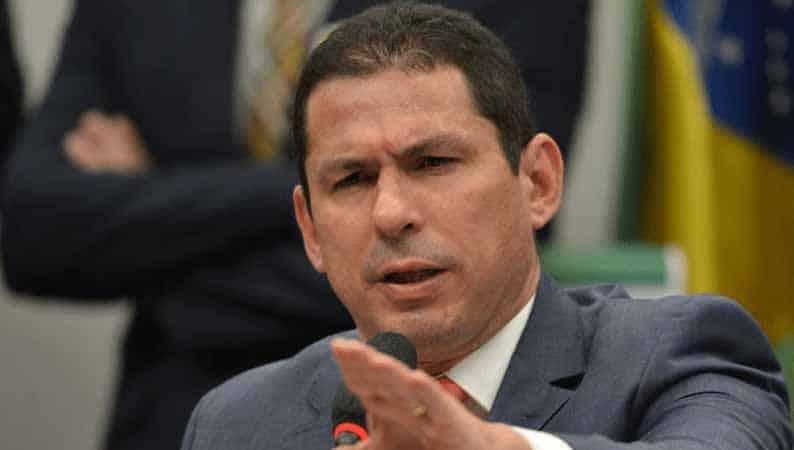 Vice-presidente da Câmara quer abrir impeachment como interino