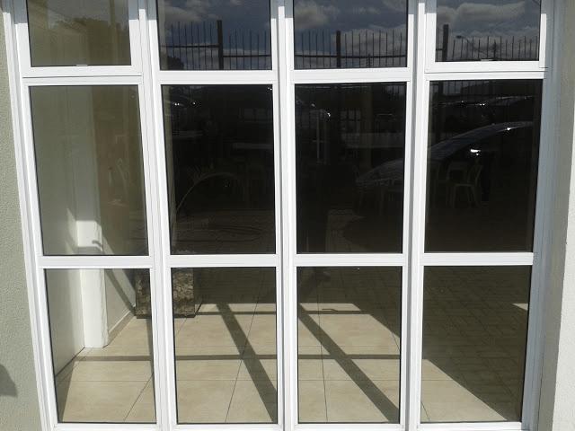 Portas de Giro em Alumínio na cidade de Várzea Paulista