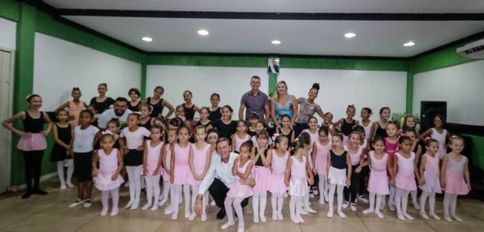 SECULT ORGANIZA CONFRATERNIZAÇÃO DE BOAS-VINDAS PARA ALUNAS DO BALLET