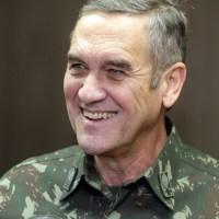 Comandante do Exército brasileiro debocha de grupos que pedem intervenção militar