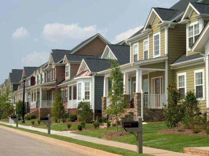 Casa própria mais distante: custo de imóvel em Vancouver sobe para 63.5% da renda familiar, segundo relatório do RBC