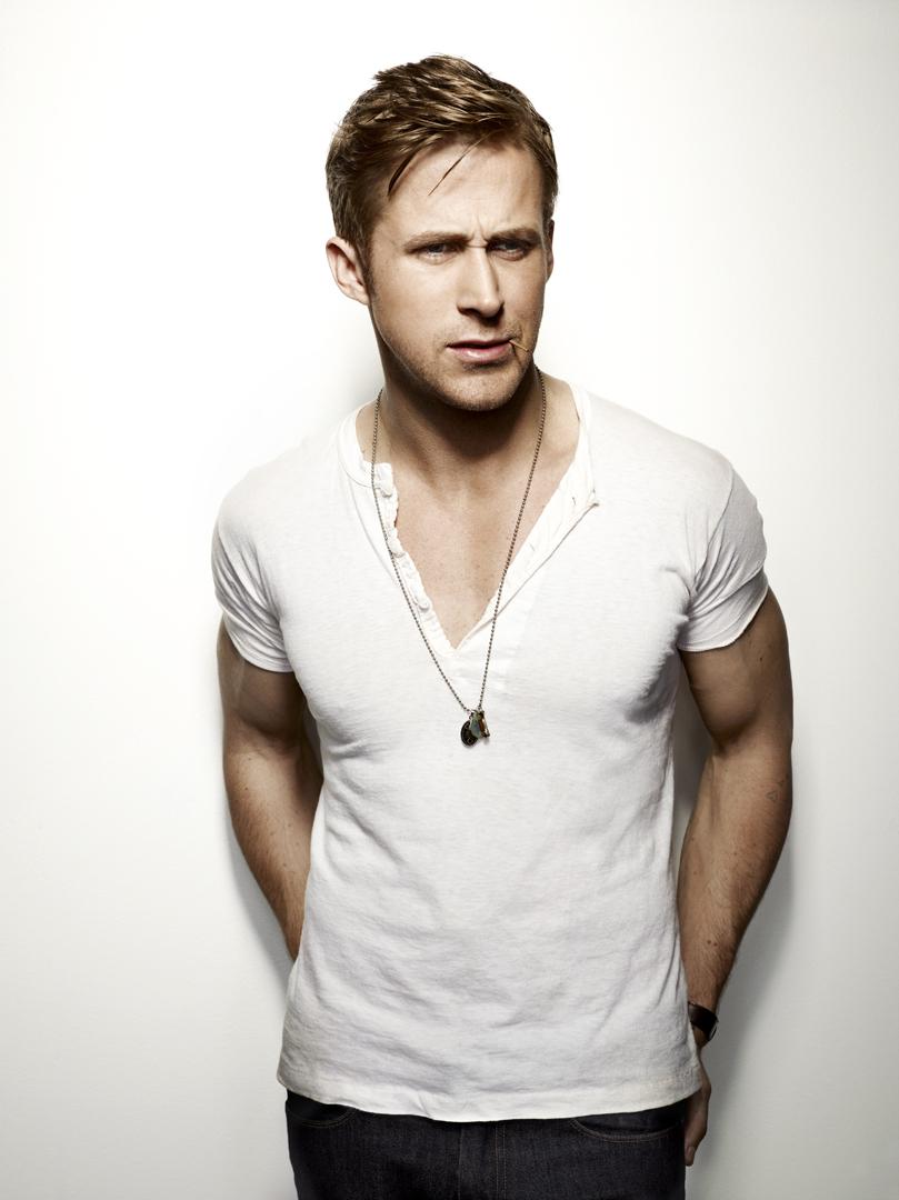 Ryan Gosling Biceps Size