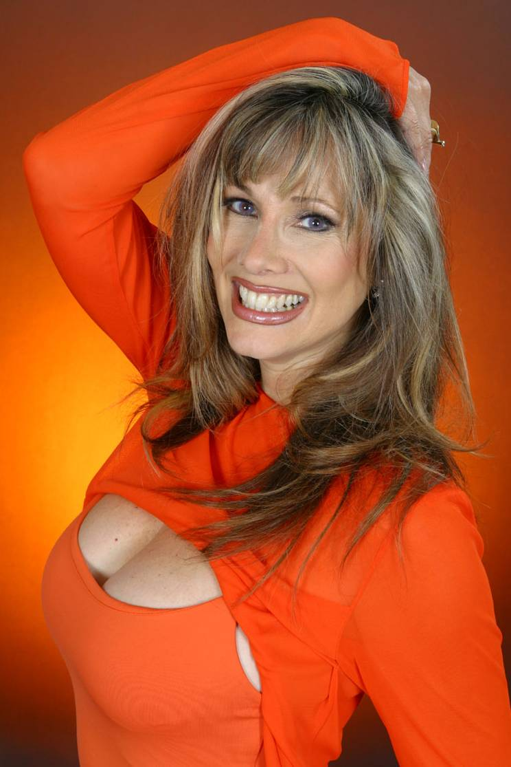 Rhonda Shear Bra Size