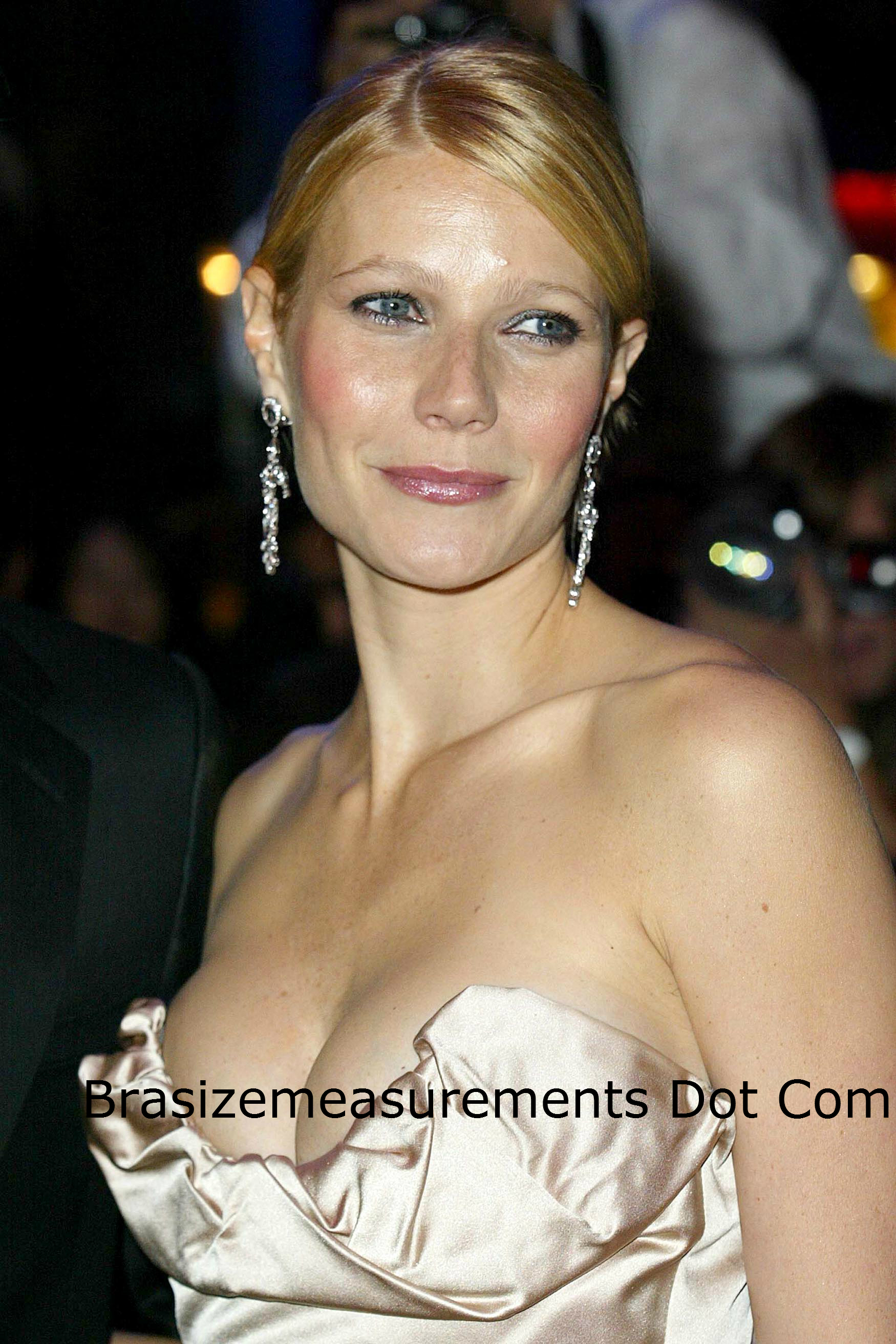 Gwyneth Paltrow Body Measurements and Net Worth ...