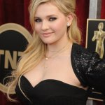 Abigail Breslin Body Measurements and Net Worth