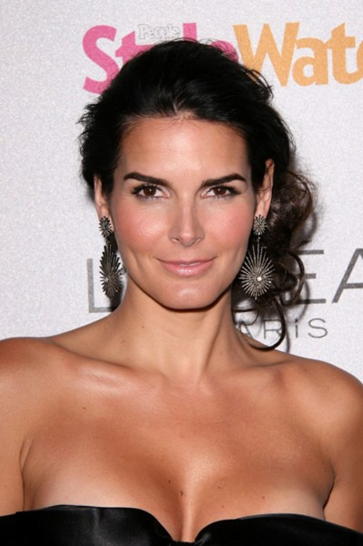 Angie harmon dating in Australia
