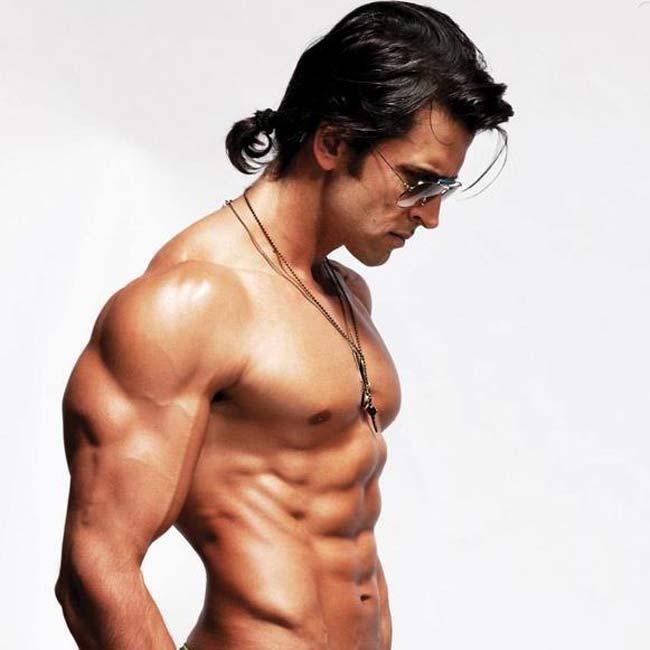 Hrithik Roshan Biceps Size